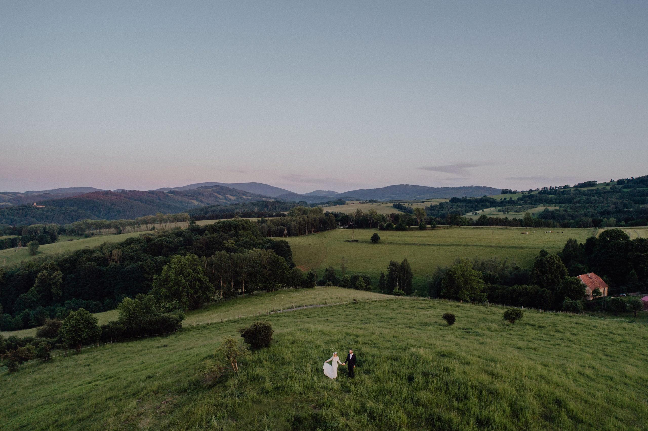 Czy warto brać drona na wesele? 28