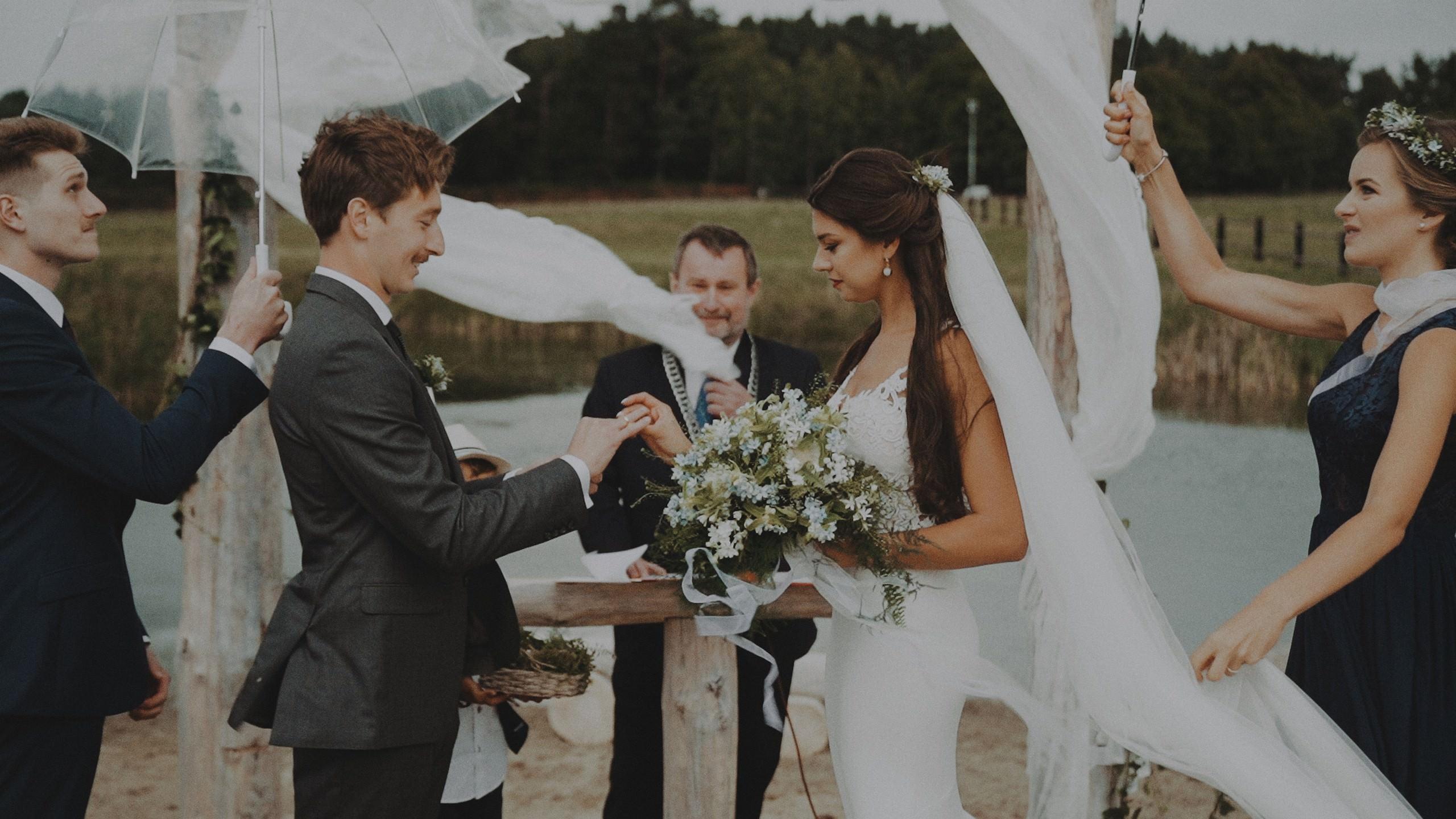 Rustykalne wesele w namiocie na ranczo 51