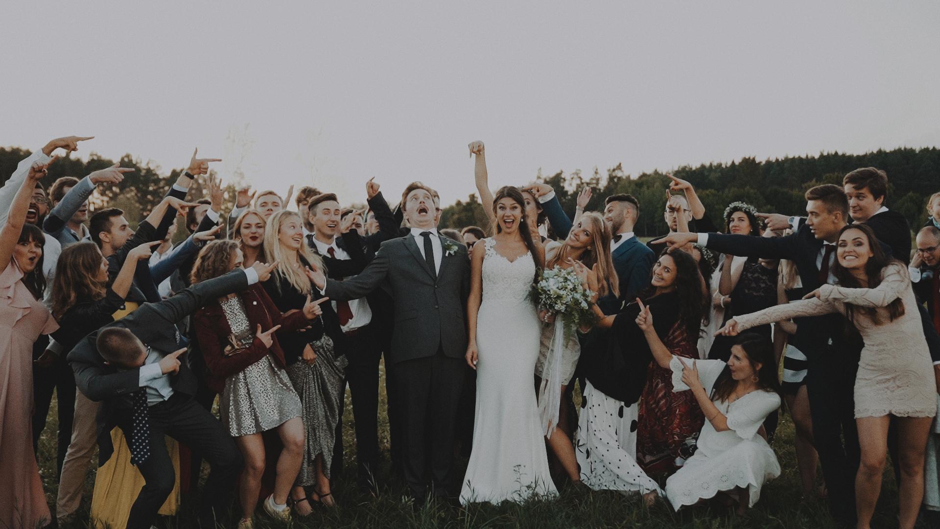 Rustykalne wesele w namiocie na ranczo 14