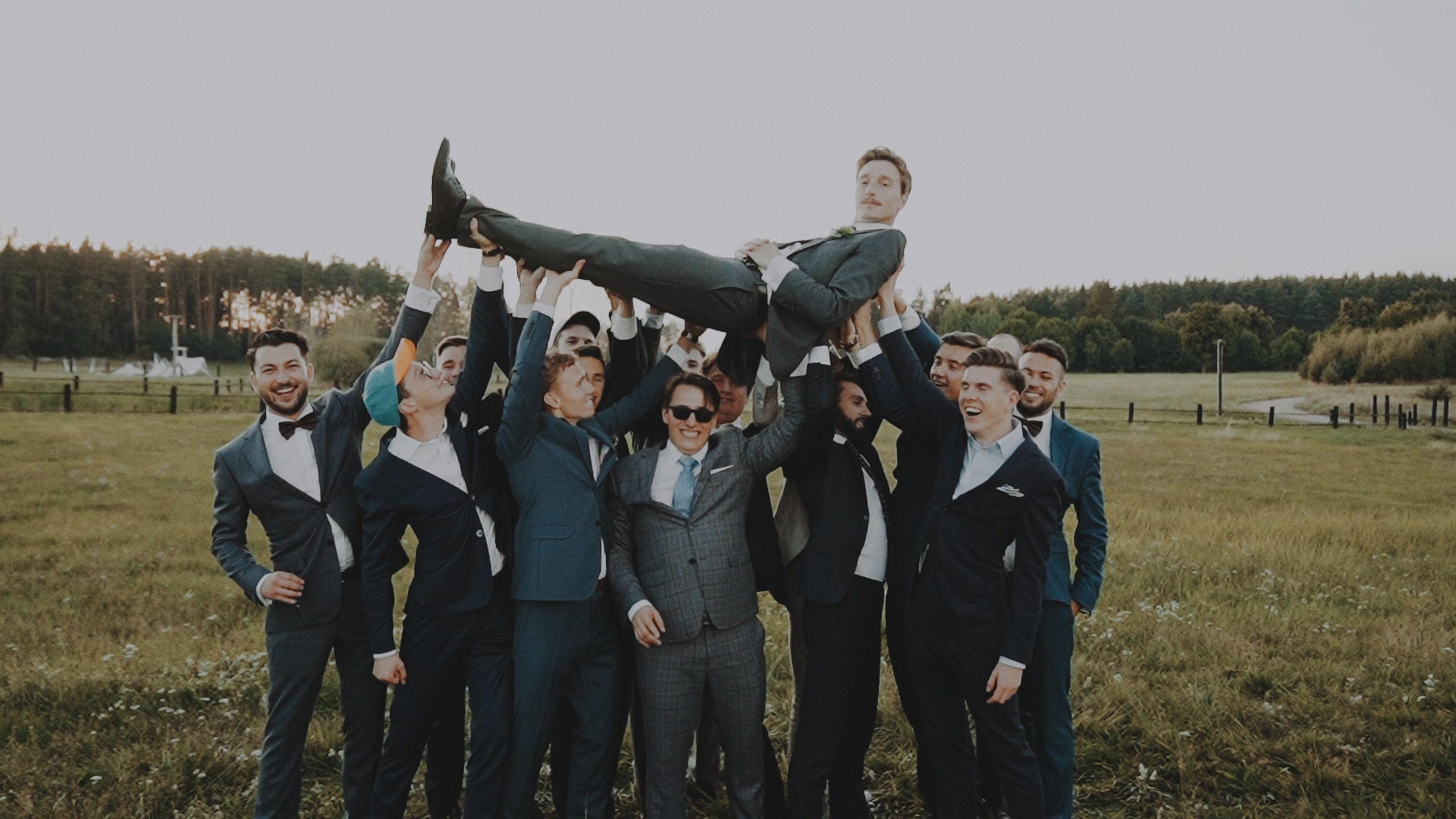 Rustykalne wesele w namiocie na ranczo 53
