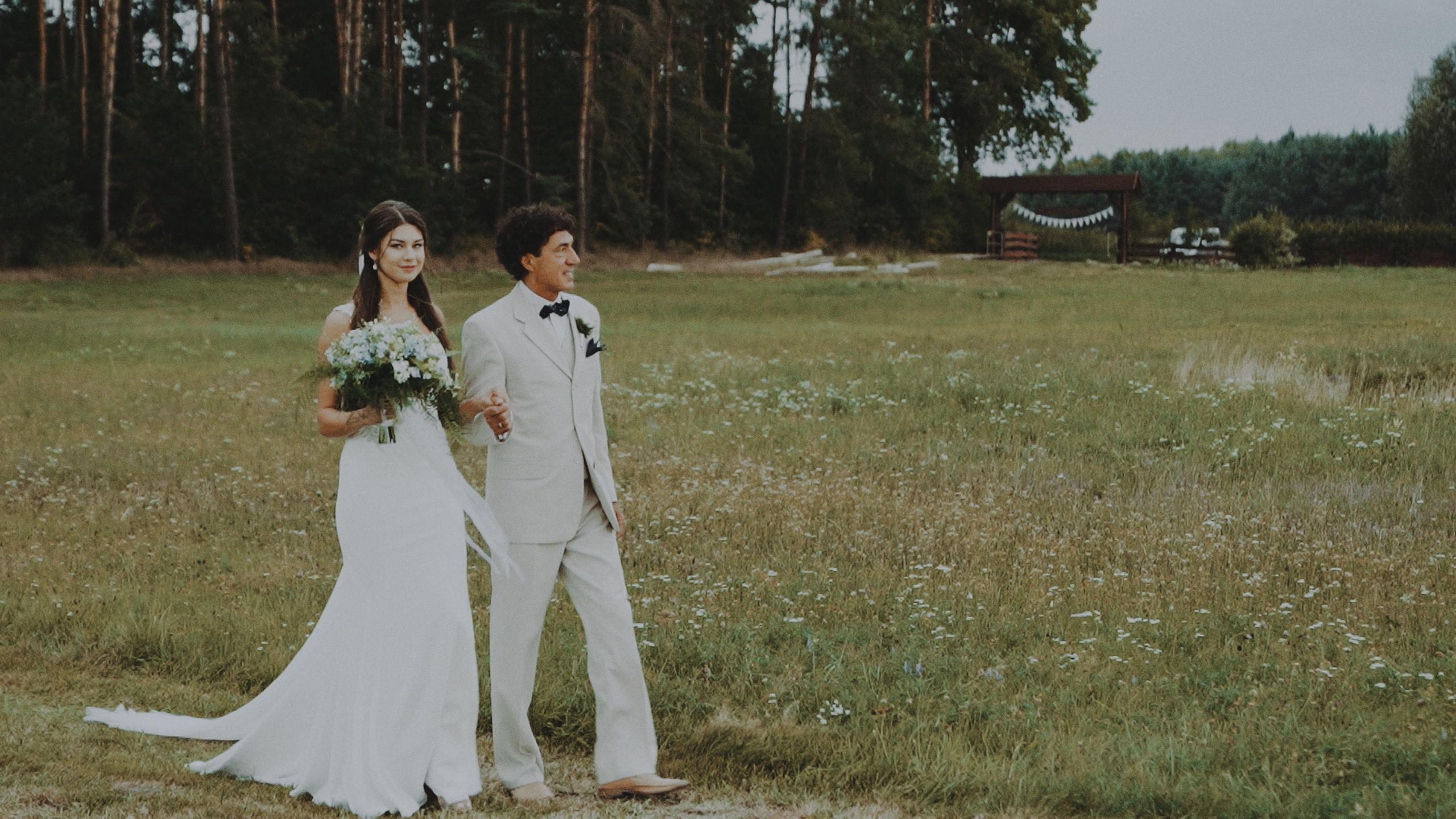 Rustykalne wesele w namiocie na ranczo 49